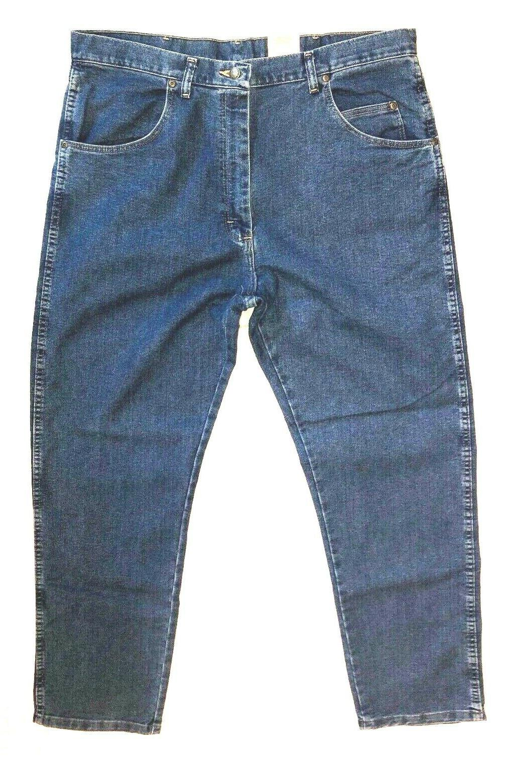 Wrangler Relaxed Stretch Size 38 New with