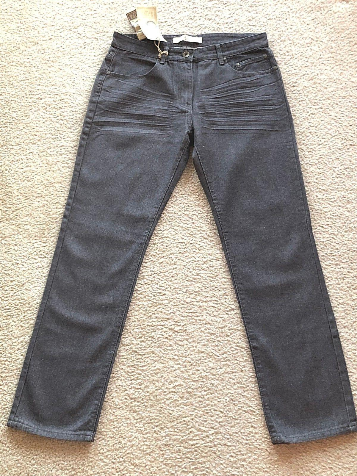 NWT . AGILE . Men's Gray Jeans . Sz.