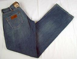 Mens NWT Wrangler Retro Mid Rise Boot Cut Jeans WRT20RT Wais