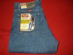 Mens Wrangler Relaxed Fit Blue Jeans sz 33 X 32   NWT NEW
