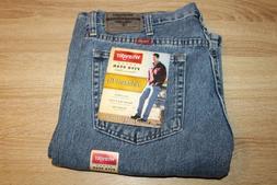 NEW Men's Wrangler Relaxed Fit Denim Jeans Straight Leg