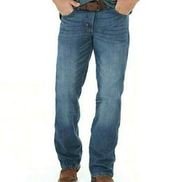 New Wrangler Men's Retro Relaxed Fit Bootcut True Blue Jean,