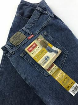 New NWT Wrangler Men's Relaxed Fit Jeans Sz 44x32  U Shape