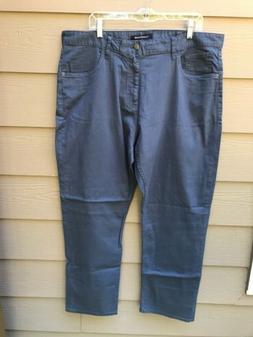 NWOT Calvin Klein Jeans Men's Straight Fit Jean, CKJ035, Blu