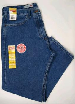 NWT Men's Wrangler Relaxed Fit Jeans Size 36 x 29