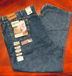 NWT Wrangler Men's Rugged Wear Relaxed Fit Flex Denim Jeans