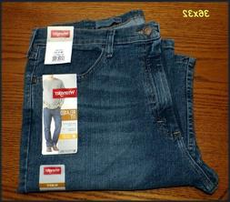NWT Mens Wrangler Relaxed Fit Straight Leg Jeans with Flex