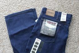 Wrangler Rugged Wear Men's Jeans Size 42X30 Regular Fit 3905